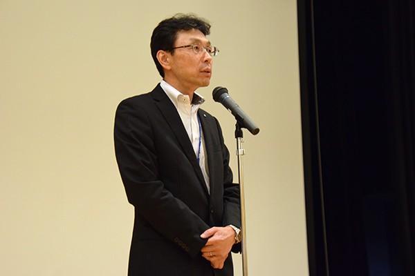 選考会に先立ち選考委員長の長坂学長が「今日までに準備してきたものをしっかり披露していただきたい。そして自分たちの『やりたい』という強い思いを選考委員、他の団体の学生に届けてください」と挨拶。