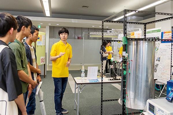 最大の課題は、発電効率の向上。発電効率を高める研究を日々続けています。
