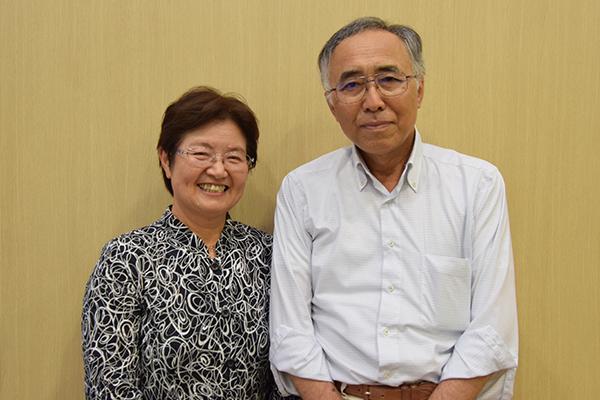 ホームステイ先として留学生を受け入れていただいた橋本さんご夫婦。「文化や言葉が違っても、一緒に過ごす中でわかり合うことができる。留学生の受け入れを通して私たちも学びがあり、いつも楽しませてもらっています」