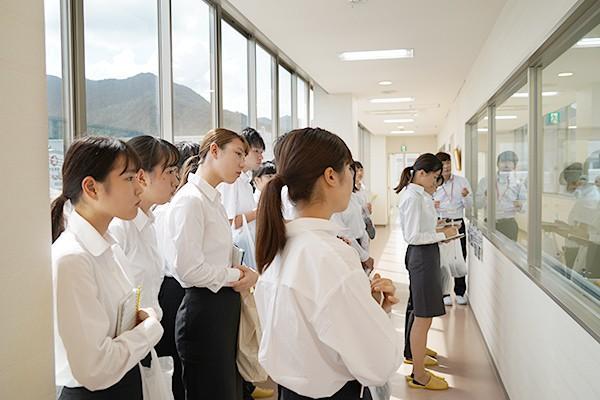 工場内には研究開発部門から製造部門もあり、部門間のコミュニケーションが活発であることの説明がありました。