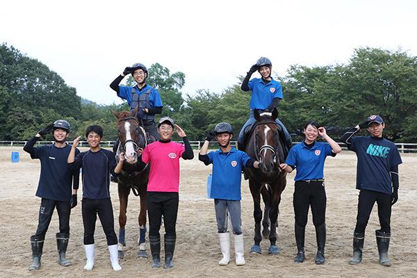 体験乗馬はいつでも大歓迎。馬と仲間と共に成長していきませんか。