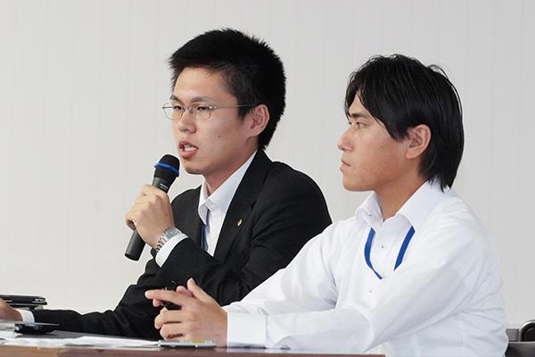 ご説明いただいたのは、総務部の辻道大瑛さん(左)と作業所配属で広島工業大学OBの伊舎堂翼さん(右)