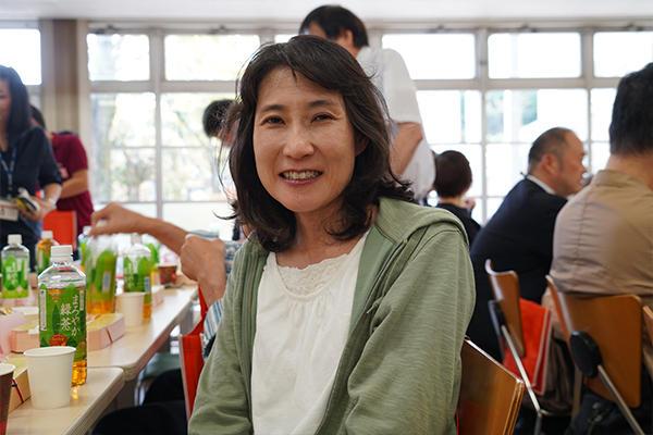 「取得可能な資格や、進路選択について教えていただけたことがよかったです」藤陽希さん(電子情報工学科1年)のお母さま。
