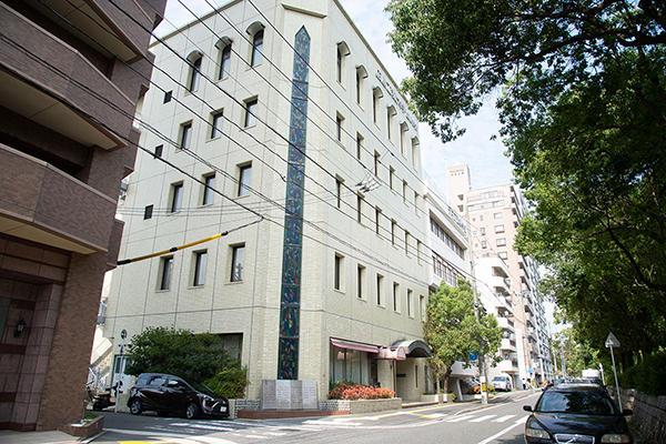 地域データサイエンス研究会のキックオフシンポジウムは、広島市中区中島町にある広島工業大学・広島校舎で行われました。