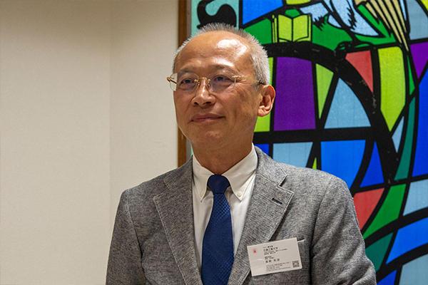 """濱﨑センター長は乾杯の挨拶の中で「産業データサイエンスのキーワードは""""コネクテッド""""。データを公共物としてとらえ、産官学や企業同士がつながる中で、新たな価値を生み出したい」と語りました。"""