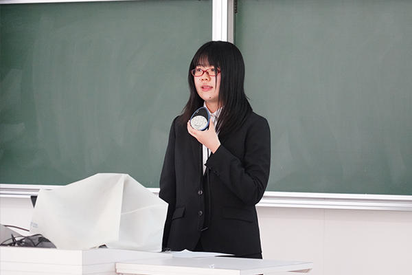 「留学経験を活かし、本学に来る留学生に日本の魅力を伝える役割を担っていきたい」と山口さん。