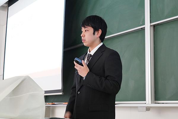 「聞き取れなかった英語は紙に書いてもらい、自分で調べることで解決を図っていきました」と坂本さん。