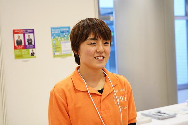 「スライムづくりは人気企画。色付けにラメを使うなどより楽しんでもらえるよう改良を続けています」と西村さん。