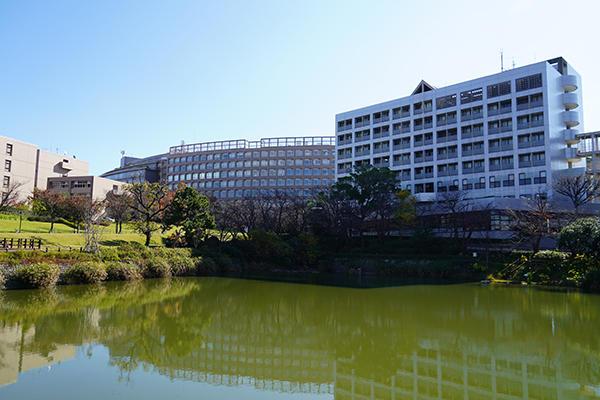 会場となった福岡工業大学に7工大のトップたちが集結。