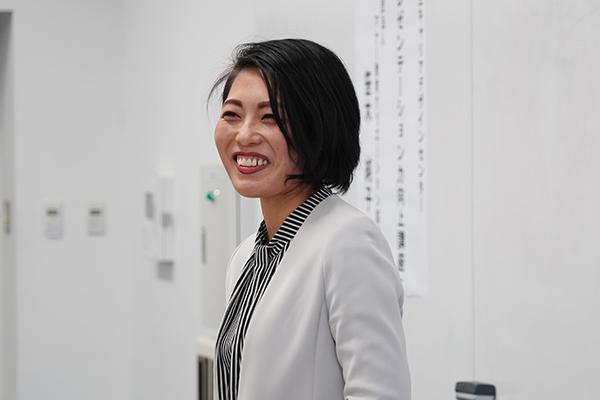 講師にお迎えしたのは、笹木純子さん(一般社団法人 マナー教育クリエーション協会)