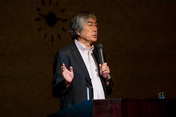 札幌市立大学で理事長・学長を務める中島秀之氏。